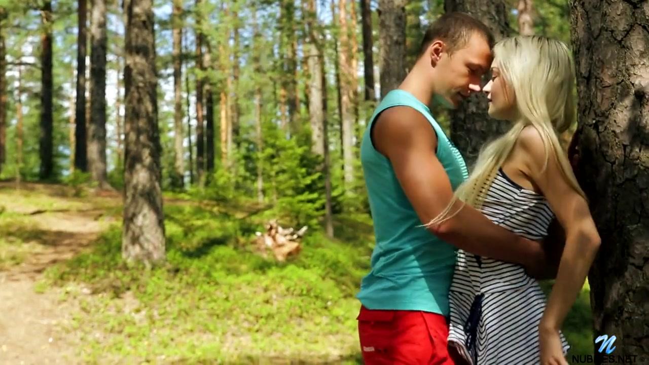 Увел студентку в лес чтобы трахнуть